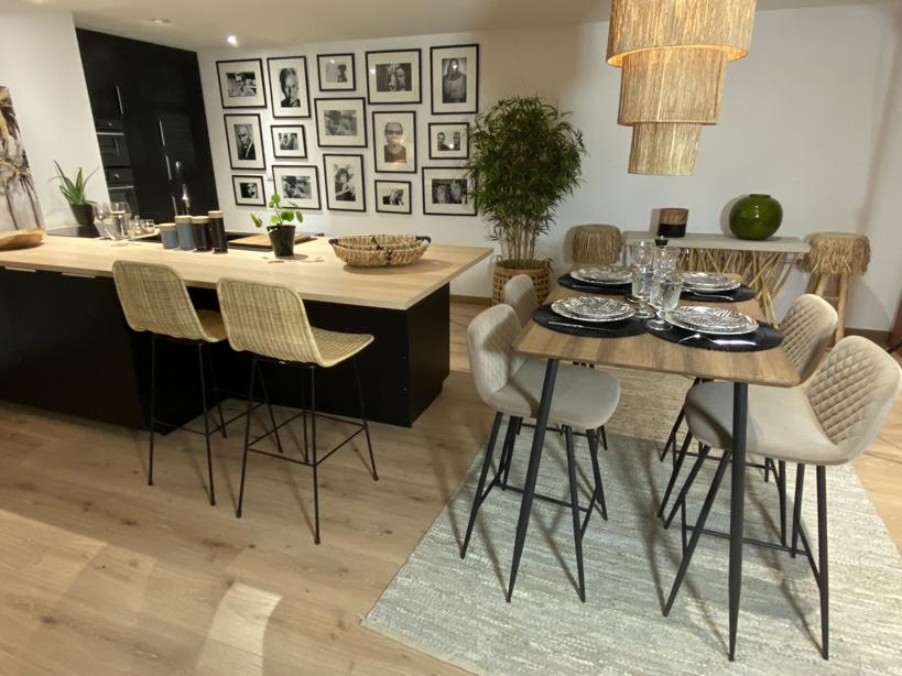 Ensemble Table et Chaises COBRA Ambiance